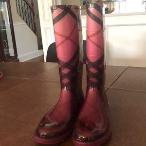 Burberry pink rain boots